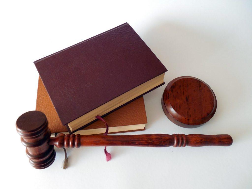praca prawnik